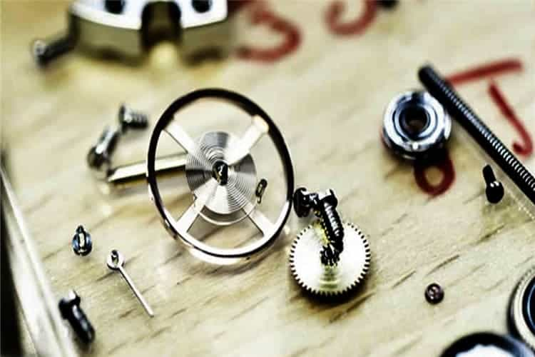 万国维修价格手表不走是什么情况