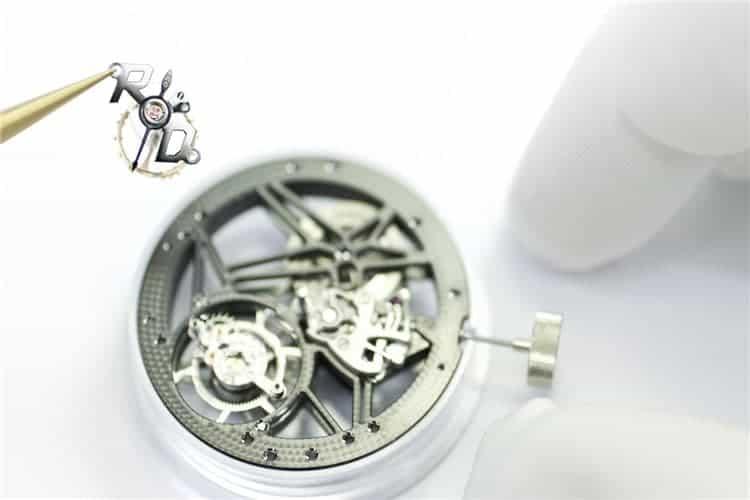 积家维修电话手表表盘坏了