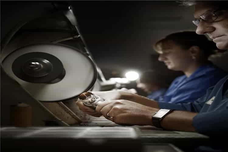 卡地亚手表售后维修手表总慢怎么办