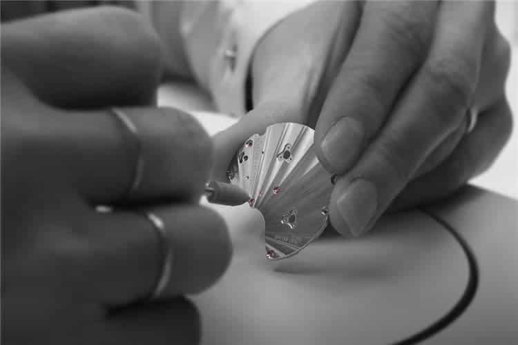 万国售后维修手表更换表冠