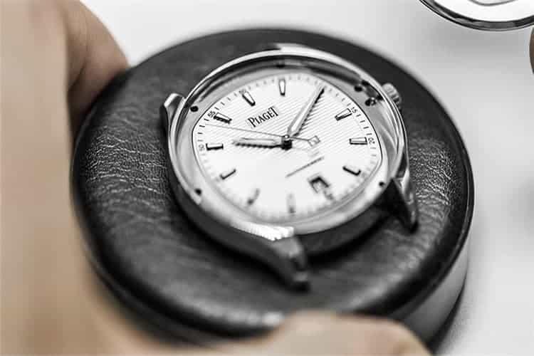 劳力士服务手表老走慢是怎么回事