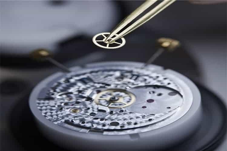依波路服务电话手表表盘维修