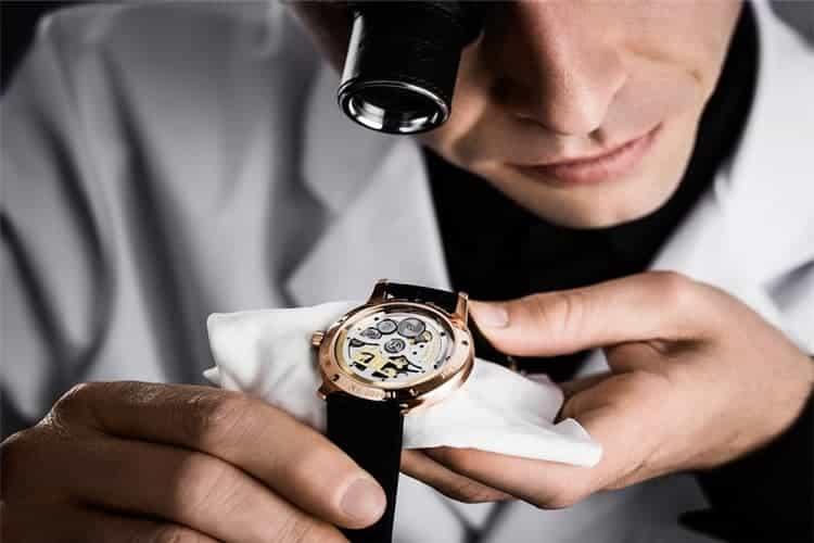 劳力士维修地址手表换表把大概多少钱