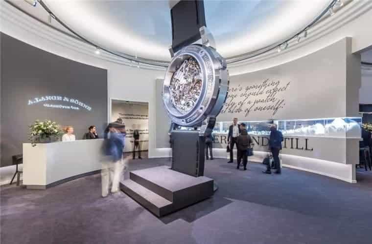 万国售后维修手表每天慢是什么原因