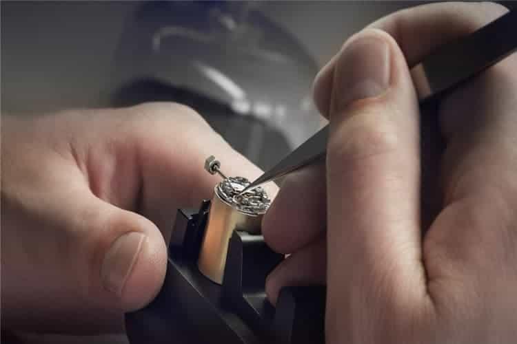 劳力士维修手表秒针转动快怎么办
